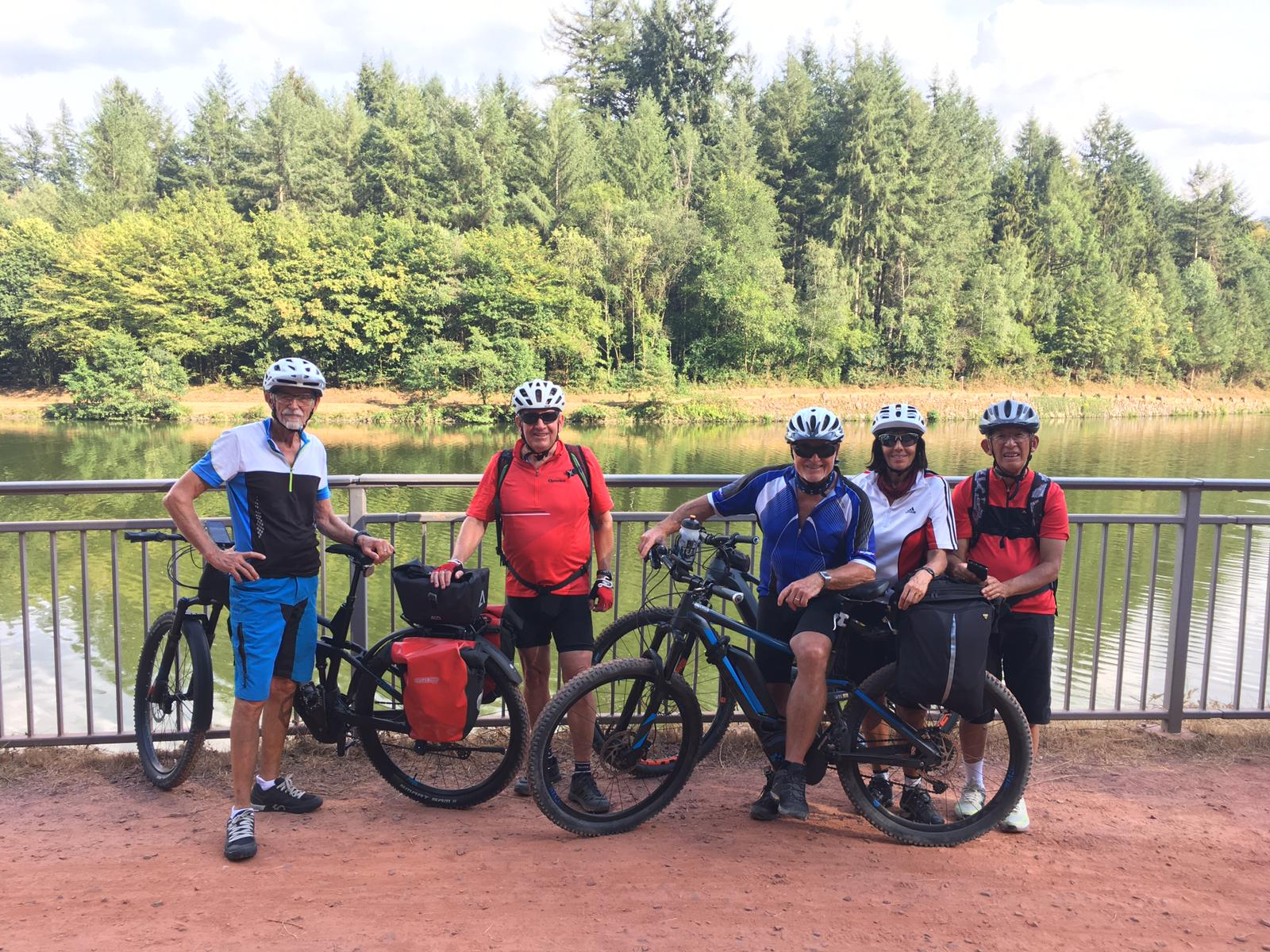TCM-E-Biker auf Tour.